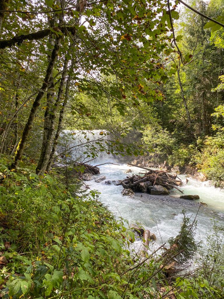Watervalletjes op weg naar de Jägersee.