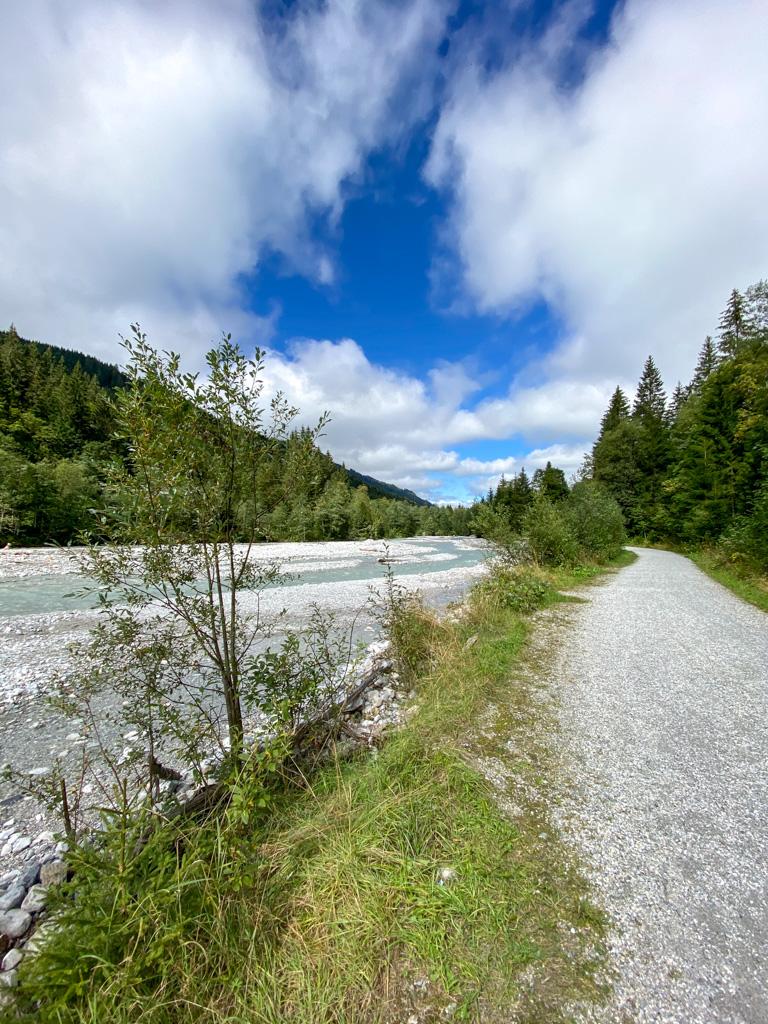 Fietsen in Oostenrijk - Langs dit soort woeste natuur.